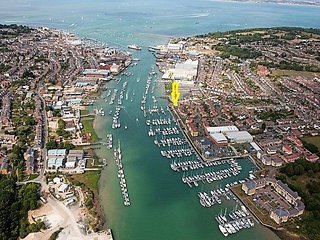 Stunning Waters Edge Apartment in East Cowes, Isle of Wight