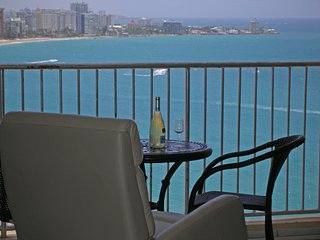 Green PH Isla Verde Beach View - Beach Front, WIFI, Free Parking