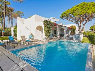 4 bedroom Villa in Vale do Lobo, Faro, Portugal : ref 5644351