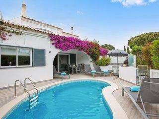 3 bedroom Villa in Vale do Lobo, Faro, Portugal : ref 5644353