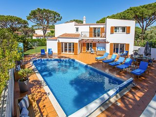 4 bedroom Villa in Vale do Lobo, Faro, Portugal : ref 5644352