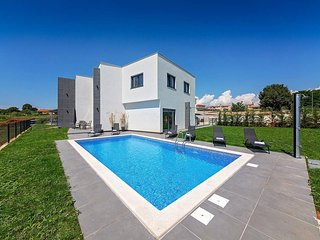 4 bedroom Villa in Labinci, Istria, Croatia : ref 5644357