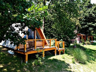 Holiday Home and Glamping Bitoševje with tennis court, Croatia, Trakošćan,