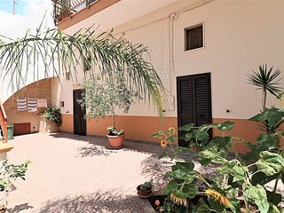 Holiday home in Matino in the historic center near the beautiful beaches of Gall