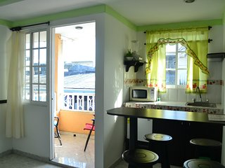 Apartamento triple en ubicación central y barrio tranquilo.