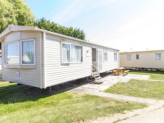 Stunning 8 berth caravan at the Haven park the Orchards in Essex  ref 15093