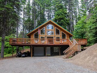 Dog-friendly cabin w/ shared pool, tennis, & more - next to nature, near town!