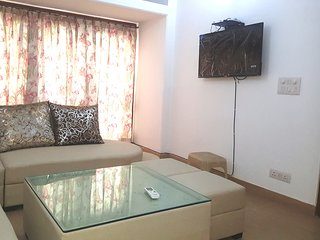 Grand Hillview-Ground Floor 3 Bedroom 3 Bath - GK1