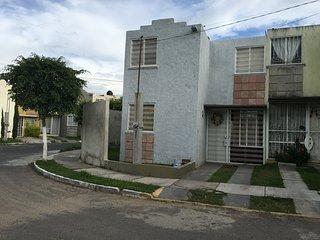 Casa entera en Mariano Otero y Guadalupe, Zapopan