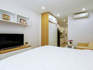 Single serviced aparment by the beach - Vivian Villa & Apartment