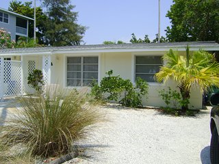 Islands End- 792 North Shore Dr, Anna Maria