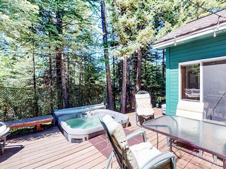 Woodsy cabin w/ private hot tub, & shared pool - near the lake & dining