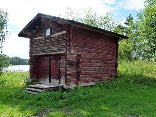 Vehmaanpirtti, lakeside studio with balcony for 2,