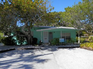 Gee`s Gulf View- 106 Palm Ave, Anna Maria