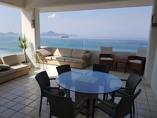 Great 4 bedroom apartment with ocean view