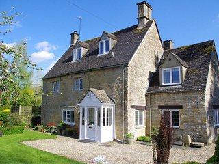 Nethercote Bridge Cottage, Boutique Luxury Cottage (Sleeps 7)