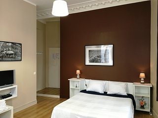 Cosy studio very close to the centre of Paris with Lift, Internet