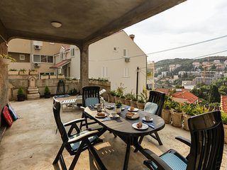 Apartment in Dubrovnik with Internet, Air conditioning, Parking, Terrace (989299