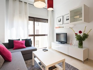 Spacious apartment in the center of Malaga with Lift, Internet, Washing machine,