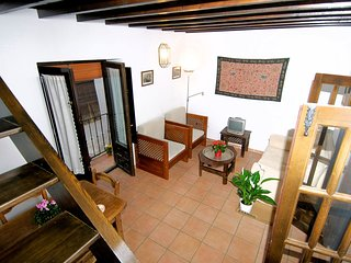Apartment in the center of Granada with Internet, Air conditioning, Balcony (534