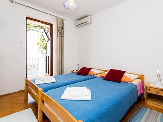 Bedroom in the center of Dubrovnik with Air conditioning, Terrace (990228)