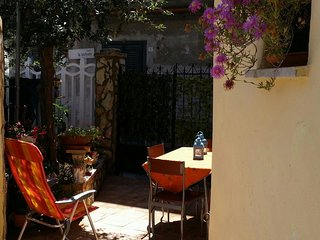 Cozy apartment in Palermo with Parking, Washing machine, Terrace
