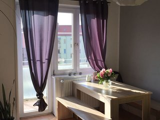 Apartment 695 m from the center of Hanover with Internet, Parking, Balcony, Wash