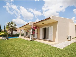 Villa in Albufeira with Pool, Air conditioning, Parking, Washing machine (68049)