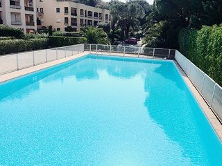 Cosy studio in Cannes with Parking, Internet, Washing machine, Pool