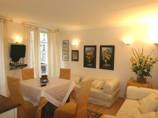 Apartment in Paris with Internet, Air conditioning, Washing machine (920783)