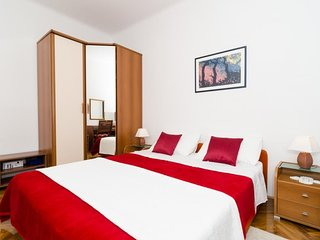 Cozy room very close to the centre of Dubrovnik with Internet, Air conditioning