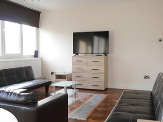 Apartment in London with Internet, Lift, Balcony, Washing machine (641374)