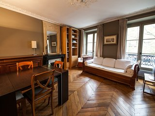 Cozy apartment close to the center of Paris with Lift, Internet