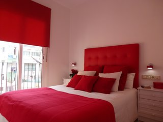 Cozy apartment close to the center of Barcelona with Internet, Washing machine,