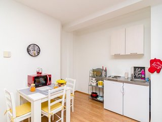 Studio apartment 1.2 km from the center of Dubrovnik with Internet, Air conditio