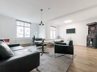 Spacious apartment in the center of Hanover with Parking, Internet, Washing mach