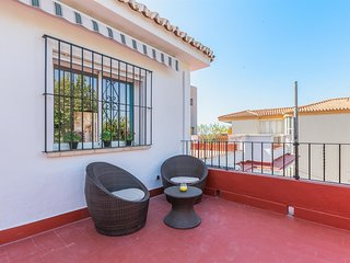 Apartment a short walk away (205 m) from the 'Playa de Pedregalejo' in Málaga wi