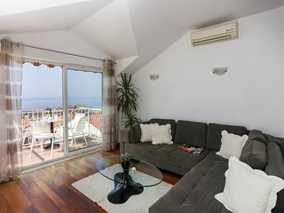 Apartment in the center of Dubrovnik with Internet, Air conditioning, Balcony, W