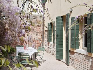 Spacious apartment very close to the centre of Venice with Washing machine