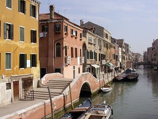 House 321 m from the center of Venice with Internet, Parking, Balcony (336519)