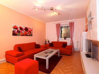 Apartment 701 m from the center of Hanover with Internet, Parking, Washing machi