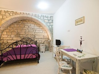 Cosy studio in the center of Dubrovnik with Air conditioning