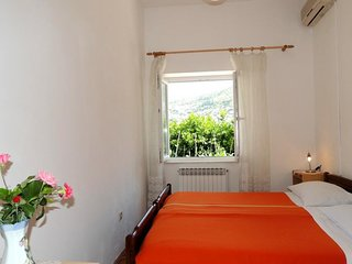Bedroom 1.1 km from the center of Dubrovnik with Internet, Air conditioning (990