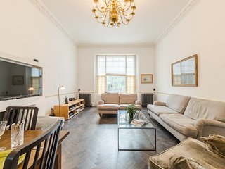 Amazing 3 Bed / 3.5 Bath Apt in South Kensington