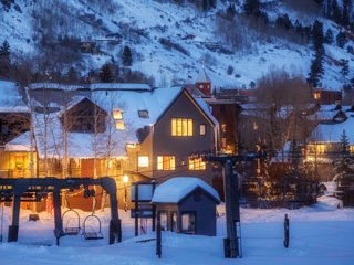 Colorado Vacation Rental - Million Dollar Ski In Ski Out Condo w/Games, Hot Tub!