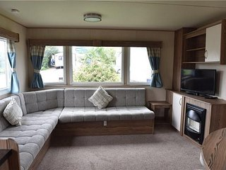 Luxury 3 Bedroom Static Caravan on Thornwick Bay