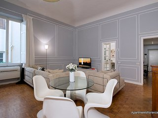 Chic 1 Bedroom Apartment Rental in Florence