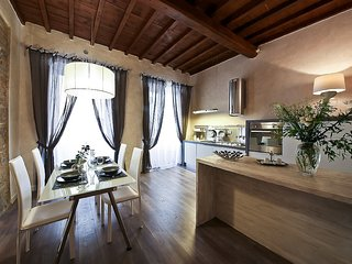 New 1 Bedroom Apartmen in Heart of Florence at Giglio