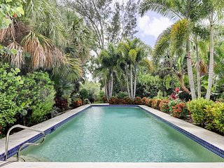 YOLO on Sanibel: Gorgeous Remodeled Pool Home Within Steps to Beach Access!