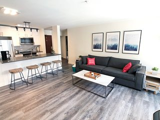 Whistler Wanderlust - True Ski in, Ski out Condo with pool